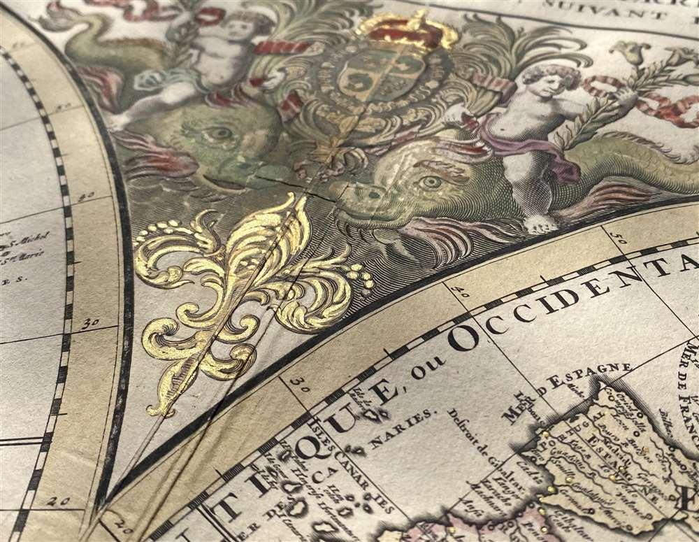 Mappe-monde Geo-Hydrographique ou Description Generale du Globe Terrestre et Aquatique en Deux-Plans-Hemipsheres ou son Exactement Remarquees en General Toutes les Parties de la Terre et de L'Eau, suivant les Relations les plus Nouvelles, par le S. Sanson Geographe Ordinaire du Roy. - Alternate View 2